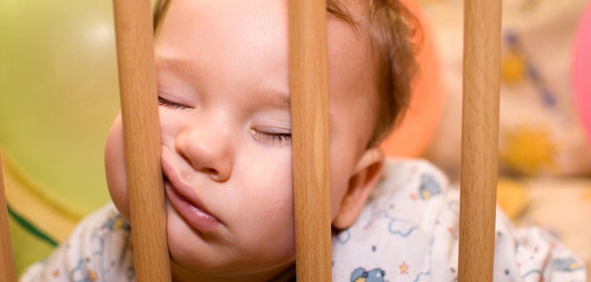 Unichat - Vauva itkee