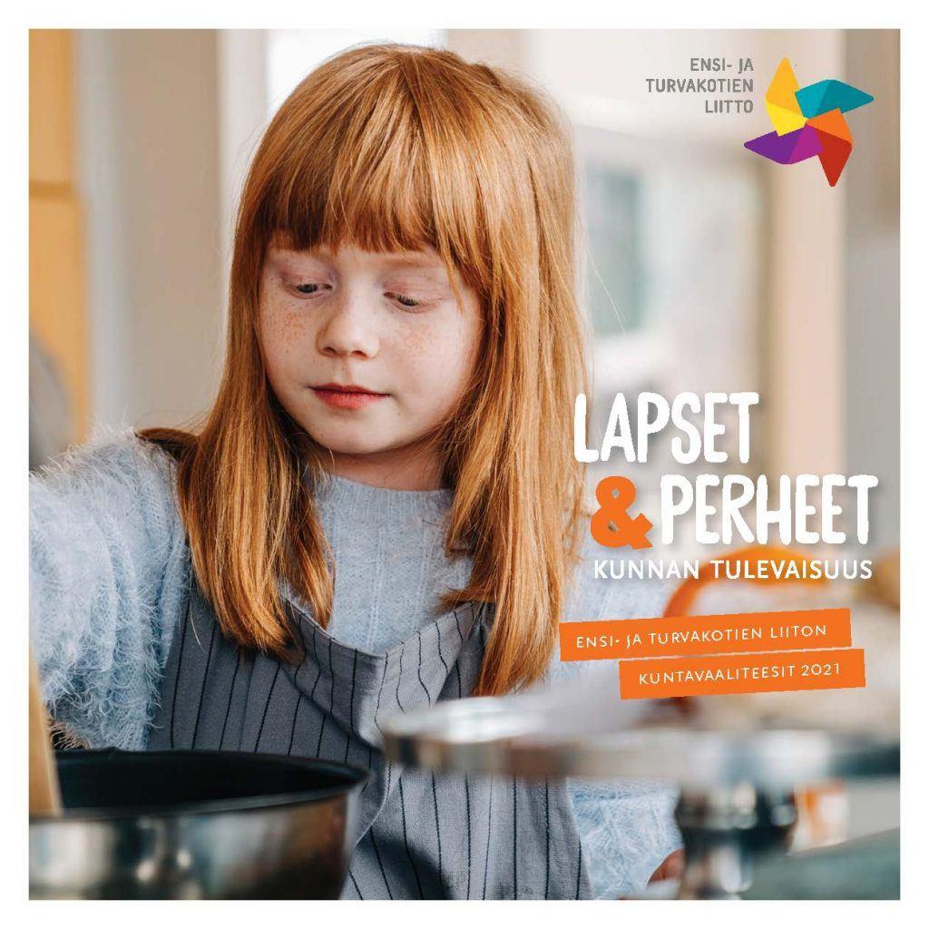 kouluikäinen tyttö tekee ruokaa kotona, keskittynyt
